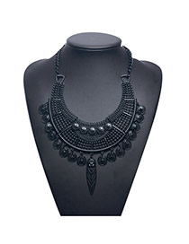 Vintage Black Metal Coin Decorated Pure Color Collar Necklace