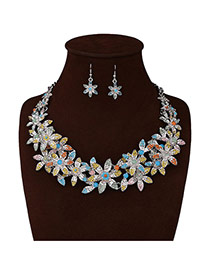 Exaggerated White Color Matching Flower Decorated Simple Jewelry Sets