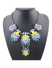 Exaggerated Yellow Flower Shape Decorated Simple Short Chain Necklace