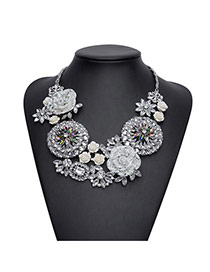 Elegant White Big Flower Pendant Decorated Short Chain Necklace