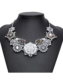 Exaggerated White Hollow Out Flower Decorated Short Chain Necklace