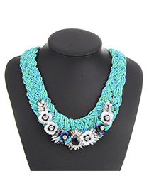 Vintage Green Flower Shape Decorated Hand-woven Chain Necklace