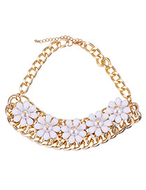 Elegant White Five Flower Decorated Simple Short Chain Necklace