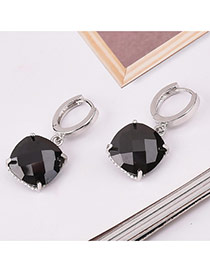 Sweet Black Square Shape Diamond Decorated Simple Design Earrings