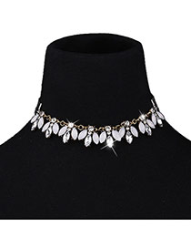 Fashion White Oval Shape Diamond Decorated Short Chain Simple Choker