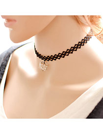 Vintage Black Hollow Out Metal Pendant Decorated Pure Color Choker