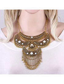Exaggerated Antique Gold Moon Shape&tassel Pendant Decorated Short Chain Necklace