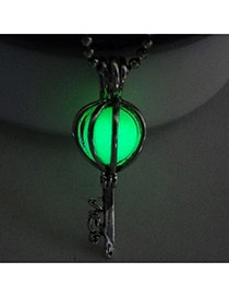 Vintage Green Hollow Out Key Shape Pendant Decorated Simple Necklace