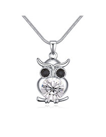 Luxury White Owl Shape Pendant Decorated Simple Necklace