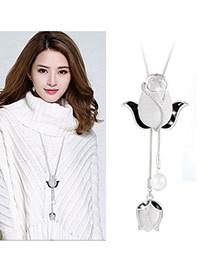 Elegant Black Tulip Shape Pendant Decorated Tassel Necklace