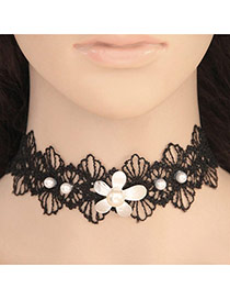 Elegant Black+white Flower Decorated Hollow Out Lace Flower Chocker
