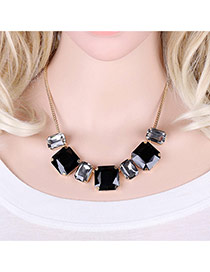 Elegant Black Square Shape Diamond Decorated Simple Short Chain Necklace