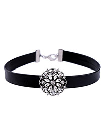 Elegant Black Hollow Out Flower Shape Decorated Simple Chocker