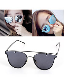 Fashion Black Wing Shape Decorated Pure Color Simple Sunglasses