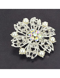 Eleagnt White Diamond&pearl Decorated Hollow Out Flower Brooch