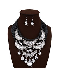 Trendy Black Water Drop Shape Diamond Decorated Moon Shape Design Necklace