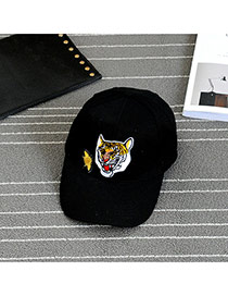 Fashion Black Embroidery Tiger Pattern Decorated Pure Color Baseball Cap